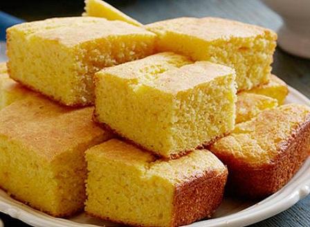 Домашен и бърз царевичен хляб