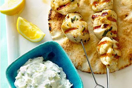 Неделен обяд по гръцки - сувлаки с дзадзики