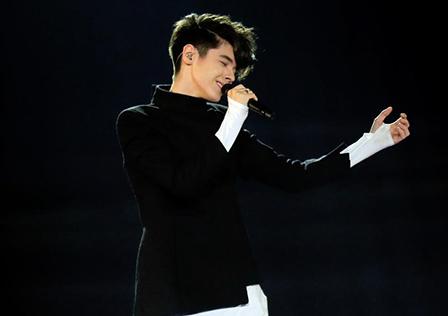 Кристиан класира България на финала на Евровизия