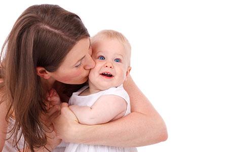 Привилегии за майките, които се връщат по-рано на работа