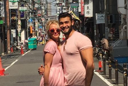 Бритни заведе гаджето си в Япония