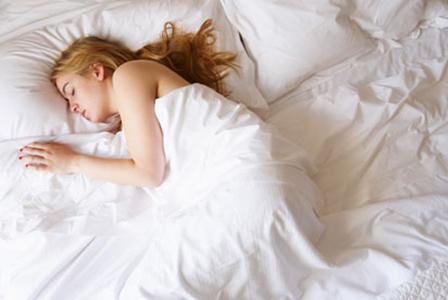 Позата при сън облекчава болките в тялото
