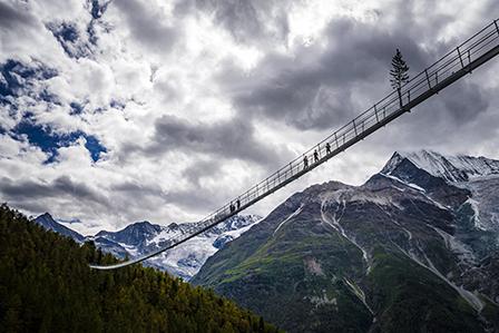 Откриха най-дългия въжен мост в света