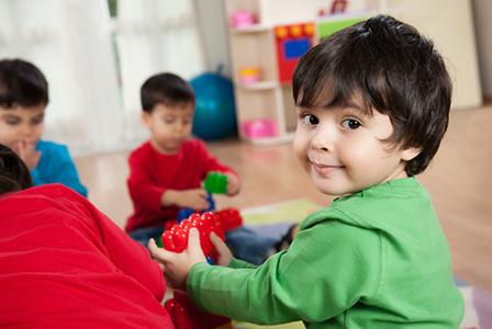 Физическите рестрикции предопределят поведението на децата в бъдеще