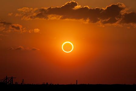 Великото американско затъмнение държи Щатите в напрежение
