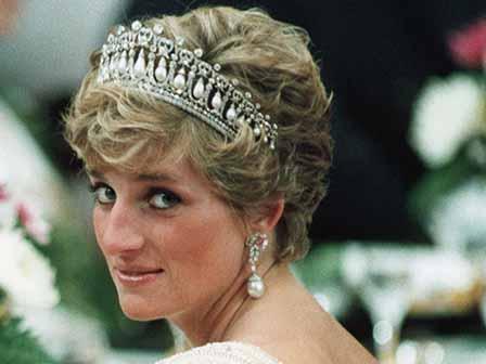 Светът си спомня принцеса Даяна 20 години след смъртта й