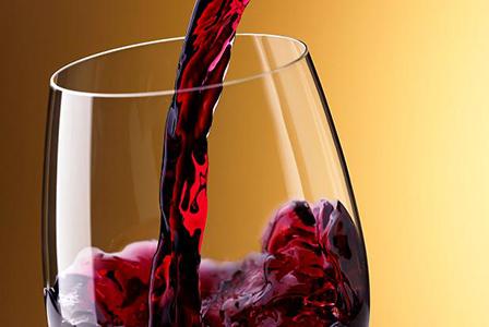 Червеното вино лекува очите