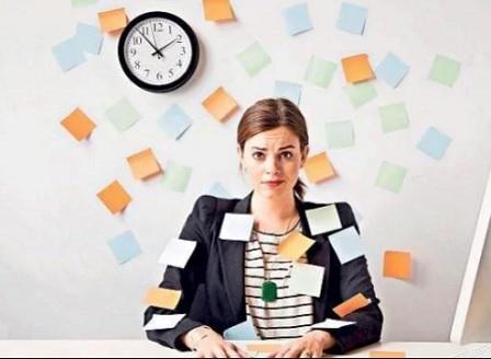 Жените работят без заплащане два месеца в годината