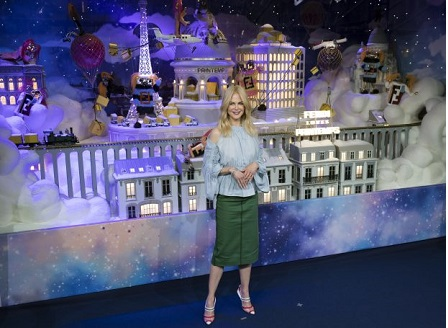 Никол Кидман откри коледна украса в Париж