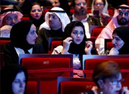 След 35 години забрана: В Саудитска Арабия ще отвори първият киносалон