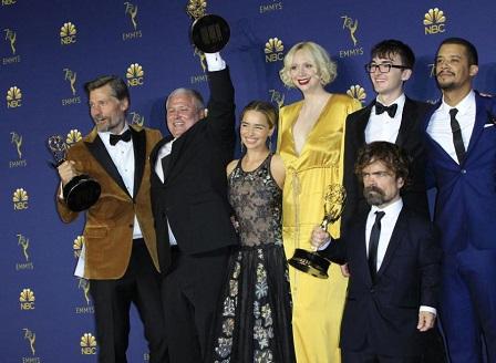 Игра на тронове с награда Еми за най-добър драматичен сериал