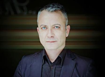 Добромир Банев представя новата си книга Любов до синьо