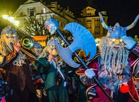 Зрелищно начало на карнавала в Люцерн