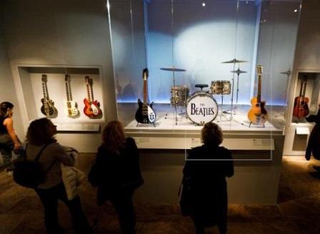 Изложба на рокендрола в музея