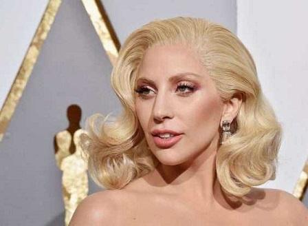 Лейди Гага и Ариана Гранде попаднаха в предупредителен списък в Сингапур