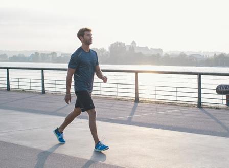 Половин час бързо ходене дневно може да предпази мъжете от диабет