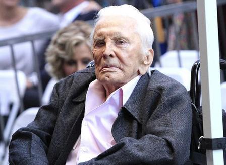 Кърк Дъглас стана 103 години