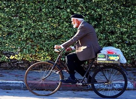 Бързо ходене и каране на колело пазят от деменция