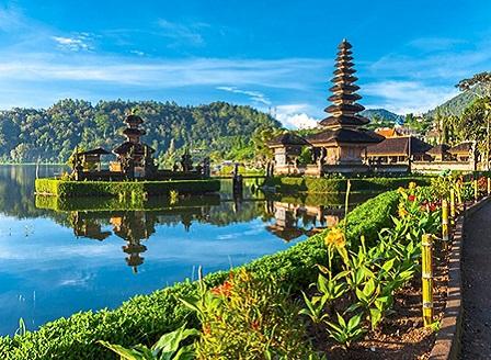 Остров Бали няма да приема чужди туристи до края на годината