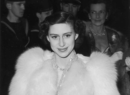 Продават на търг вещи на покойната сестра на кралица Елизабет II, заради полулярен сериал
