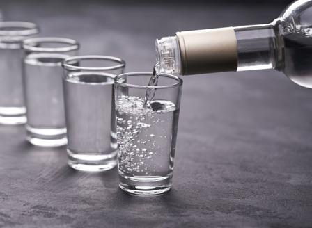 Руски учени създадоха водка, която не предизвиква махмурлук