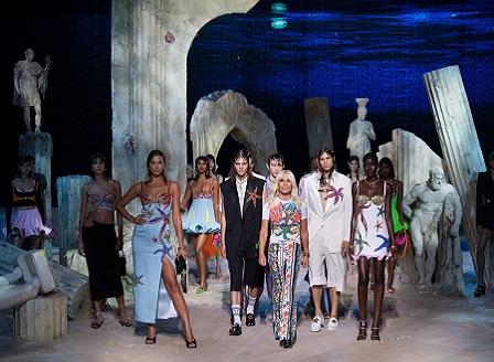 Fendi и Versace се обединиха в проекта