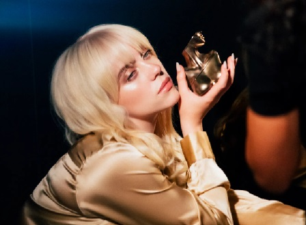 Били Айлиш пусна своя марка парфюм