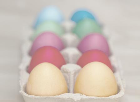 Боядисваме яйцата с натурални съставки
