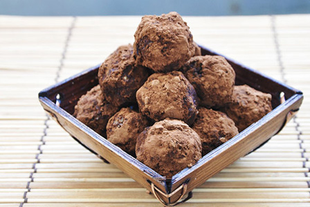 Сурови бонбони с какаови зърна